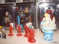 square figurines 5